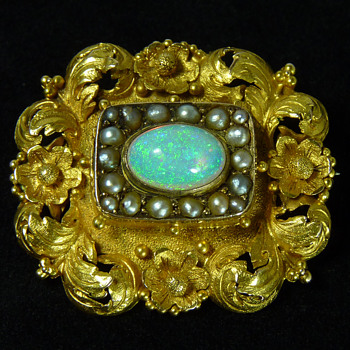A Georgian to Regency Period Gold Brooch - later set with a Coober Pedy Crystal Opal, circa 1935 - Fine Jewelry