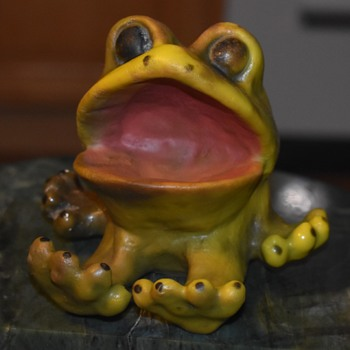 Eastern Moulded Products, Norwalk Conn. Wide-Mouthed Frog - Animals