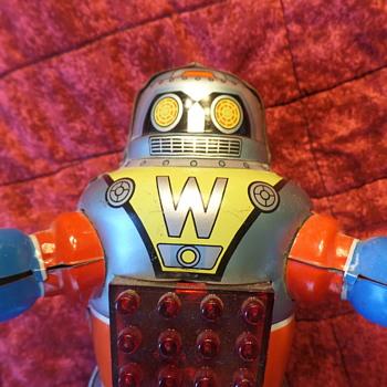 tin robot - Toys