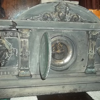 1800s french mantle clock - Clocks
