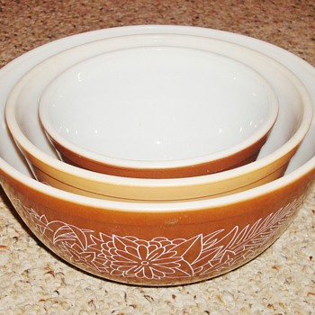 Woodland Pyrex Bowls - Kitchen