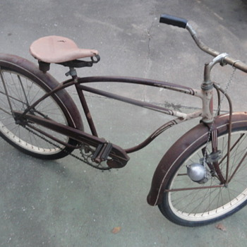 1951 Schwinn Skip-Tooth Cruiser Bicycle - Sporting Goods