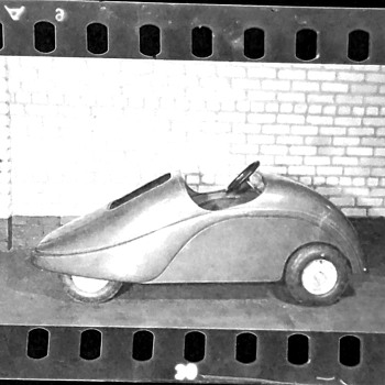 What is this tiny automobile? - Classic Cars