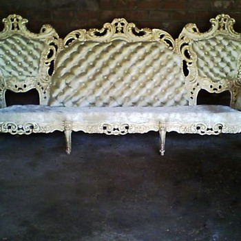 Please help me to figure out if this couch is a reproduction or real ? Either way , what era ? Thank you, mslesalee@hotmail.com - Furniture