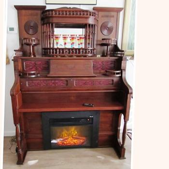 Our 1893 Estey Parlor Pump Organ Repurposed