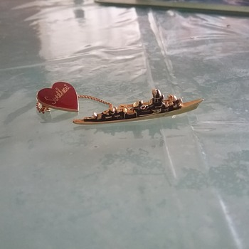 Ship sweetheart badge  - Military and Wartime