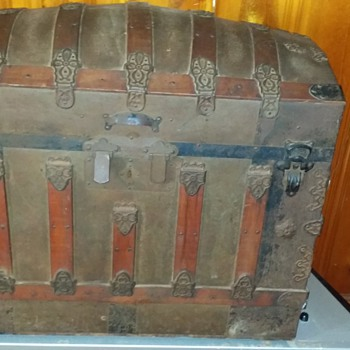 possibly a Saratoga trunk from around 1877 - Furniture