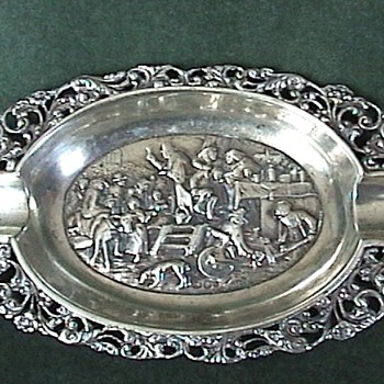 Dutch Sterling ~ Repousse & Ajoure 'Ash Tray' 1911 - Silver