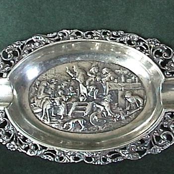 Dutch Sterling ~ Repousse & Ajoure 'Ash Tray' 1911 - Silver