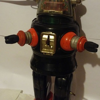 1950's Battery Operated Robby the robot ! - Toys