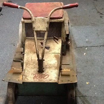 1960 vintage Reo Lawn Mower , found this to be very rare