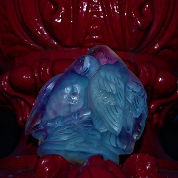 JOBLING SUNDERLAND OPALESCENT PAPERWEIGHT GLASS LOVE BIRDS 1930S ART DECO MALKEY THE OMEGA MAN - Art Deco