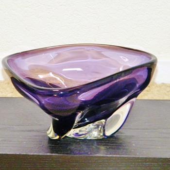 Retro Czechoslovakian?  Royal Purple Crystal Swirl Bowl  HELP! - Art Glass