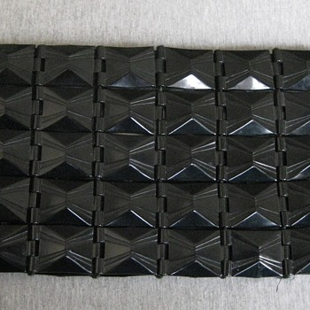 Late 30's-1940's plastic link clutch