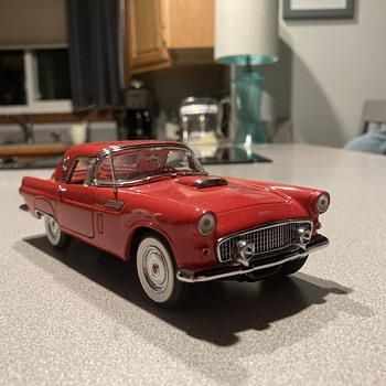 Danbury Mint 1956 Ford Thunderbird  - Model Cars