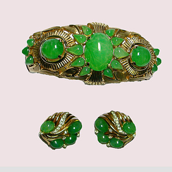 Another Jewels of India Demi from Trifari - Costume Jewelry