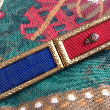 Vintage Unknown Military Ribbon Pin ??? - Military and Wartime