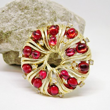 Trifari Jewels Of Fantasy Brooch - Costume Jewelry