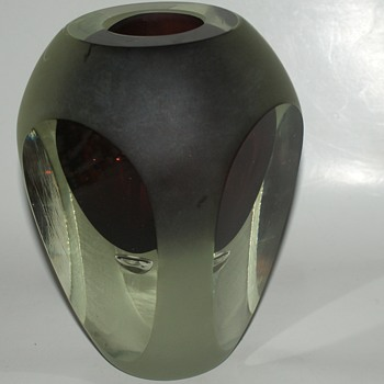 Heavy Vase with Controlled Bubble - Art Glass