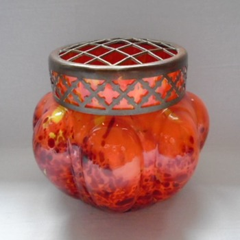 Kralik Lobed Rose Bowl.......to be continued - Art Glass