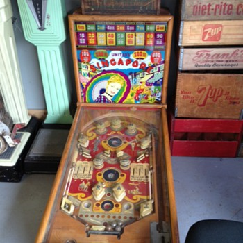Signapore Pinball Machine - Coin Operated