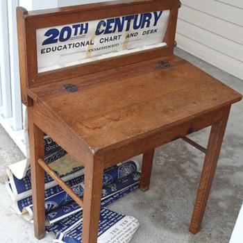Vintage scroll childs desk ???????????