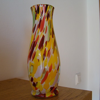 Sunny cheerful spatter glass vase - Art Glass