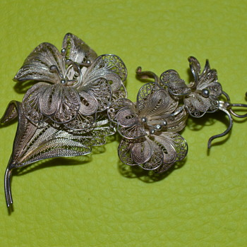 Vintage cannetille brooch - Costume Jewelry