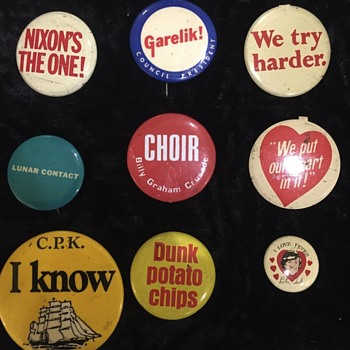 Buttons - Medals Pins and Badges