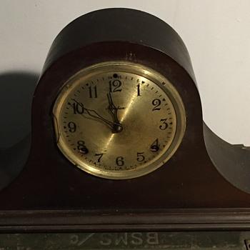 Cameo clock Ingraham Bristol. - Clocks