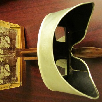 Underwood & Underwood Stereo Scope Early 1900's - Photographs