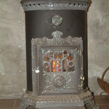 Petit Godin Cast Iron Wood Stove - Kitchen
