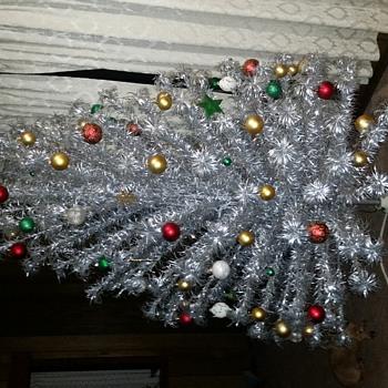 7ft alluminum pom pom tree - Christmas