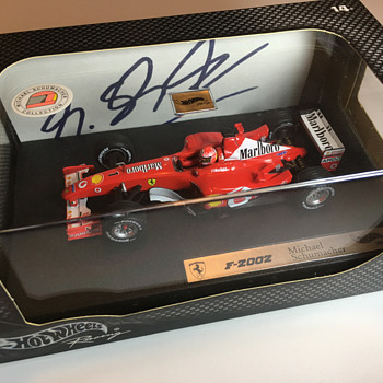 Hotwheels Ferrari F2002 Michael Schumacher 1/43 - Model Cars