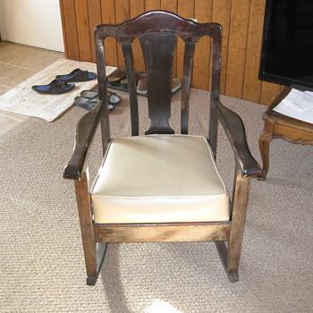 Wooden Rocking Chair-vintage