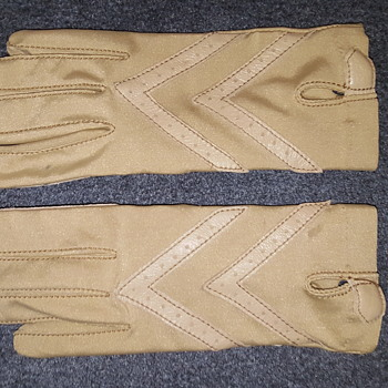 Aris Isotone Woolite 1960s Driving Gloves