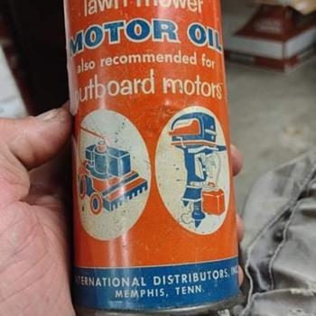 Cool lil oil cans - Petroliana