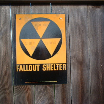 Fallout Shelter  - Signs