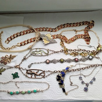 Huge vintage jewelry lot - Part 2 - Costume Jewelry