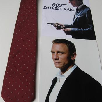 Daniel Craig  .  .  .  Burgundy Necktie - Accessories