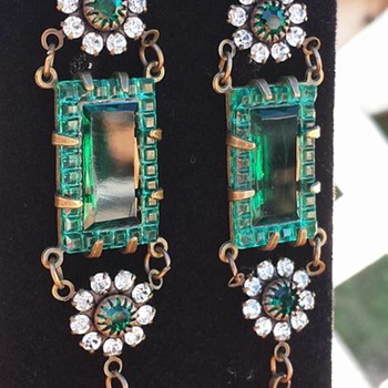 Need help....Needs Repair... - Costume Jewelry