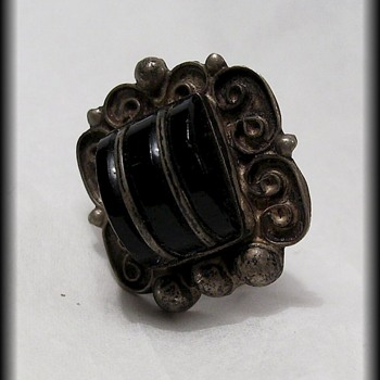 Single Old Earring -- Mexican Silver vintage 1920's or so Bakelite and Sterling silver - Fine Jewelry