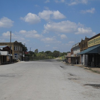 Bustling Richland Springs, Texas - Photographs