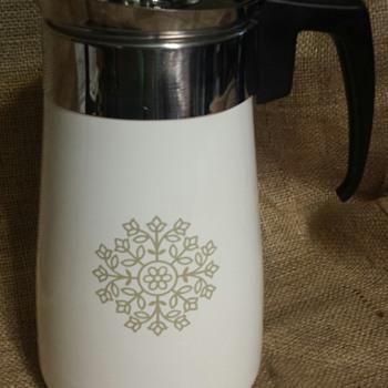 Corning Ware 9 cup Olive Green Medallion Percolator