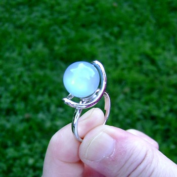 Sarah Coventry Ring - Moon Glow - Costume Jewelry