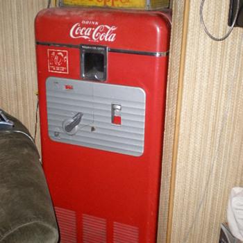 Coke Vendolator 27A said to orig. come from a Sebastopol, CA. gas station