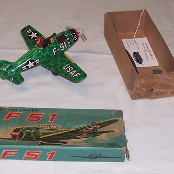 Tin Lithograph WWII Fighter: Friction, original box and in excellent condition