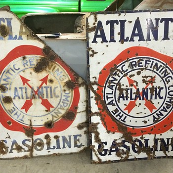 Twins 1930 Atlantic Gasoline signs - Petroliana