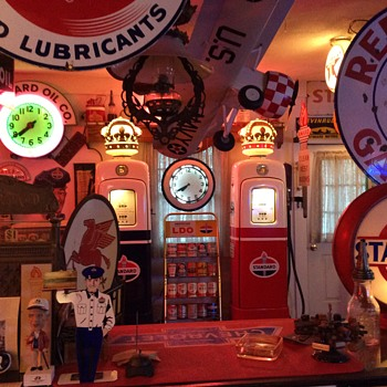 Standard Oil Signs and Gas Pumps - Petroliana