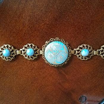 Vintage Etched Gold Tone Blue Flower Damascene Filigree Bracelet